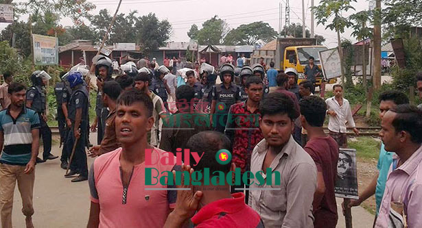 25 injured as auto-rickshaw workers- police clash in Habiganj