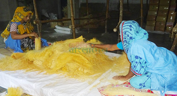 Vermicelli workers passing busy time ahead of Eid