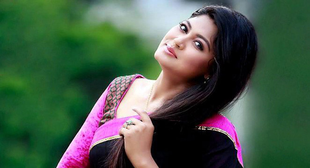 Mousumi to act `Shesher Chithi`