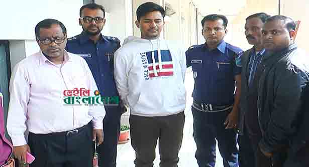 One detained on charges of leaking question in Madaripur