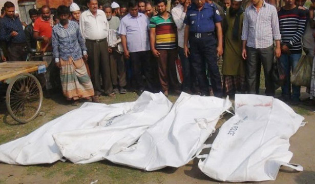 Four killed falling off train roof in Naogaon
