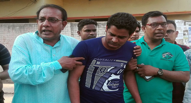 5 more cops suspended over Barisal journo torture