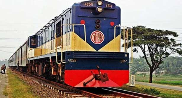 Youth killed jumping from speedy train