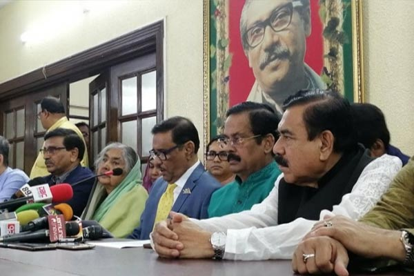 Road Transport and Bridges Minister and Awami League General Secretary Obaidul Quader addressing a press briefing Awami League President's Dhanmondi political office in the capital on Tuesday; Photo: Daily Bangladesh