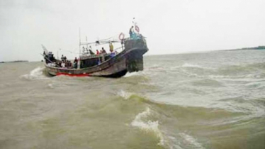 Trawler capsized in Inani beach, missing 2