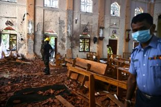 Sri Lanka blames Islamists for Easter attacks