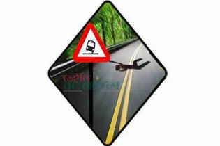 Two students killed in road crashes in Munshiganj, Gazipur