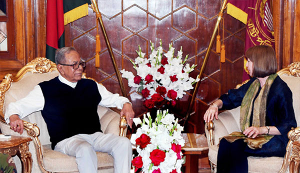 President with UK High Commissioner, Photo: Collected