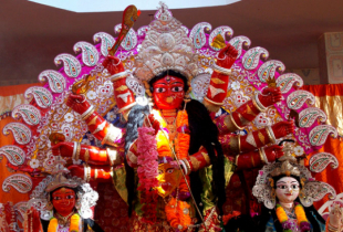 'Lal Durga' fulfills all wishes
