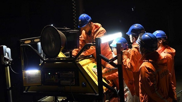 The rescuers are working to rescue the missing miners; Photo: BBC