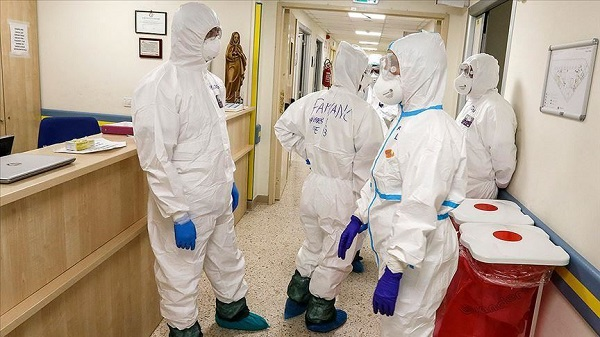 Italy reports 28,352 new Covid-19 cases, 827 deaths