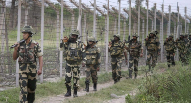 India deploys 3,000 additional troops on Pakistan border