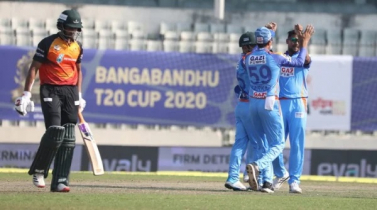 Fizz's four help Ctg's colossal win by destroying Khulna