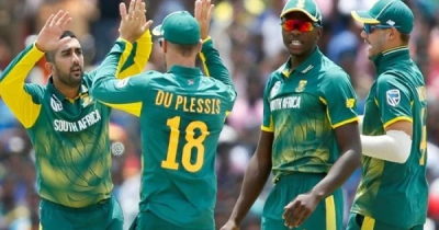 3 South African cricketers in isolation