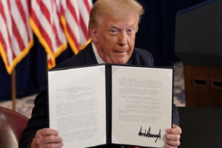 Trump signs relief order for pandemic sufferer citizens