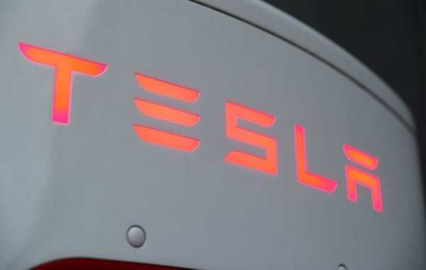 Tesla plans to open about 52 new service centers in 2021
