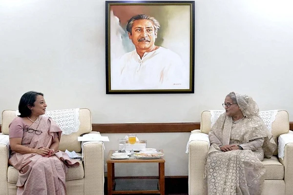 Indian High Commissioner to Bangladesh Riva Ganguly Das paid a farewell call on Prime Minister Sheikh Hasina at Ganabhaban. Photo: PID