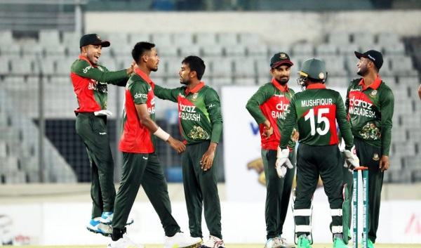 Bangladesh need 287 to complete clean sweep