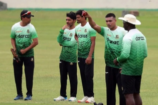 Tigers left Dhaka for Lanka tour