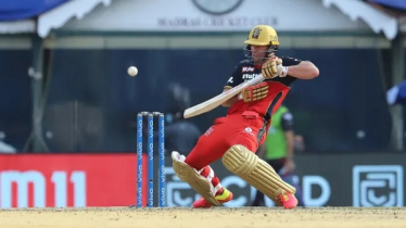 Villiers, Maxwell power RCB to 38-run win over KKR