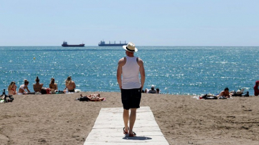 EU unveils plans for overseas tourists to return