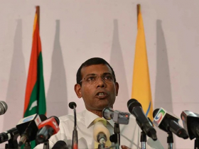 Maldives ex-president injured in blast